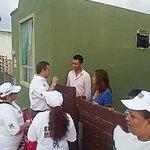 #EDGARMELHEM visitando y saludando casa por casa a nuestros amigos del Fracc.Cima III en #Matamoros #VotaPRI http://t.co/U2UQPuxmam