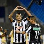 Renan brilha nos pênaltis, Bota elimina Flu e está na final do Carioca  http://t.co/erEGv0ownK http://t.co/VOfenTsefZ