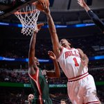 Ten of @drose's 12 points came in the 2nd quarter, most on plays like this http://t.co/DzMxJPDJxj