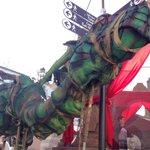 ¡Vaya dragón hemos encontrado en el Mercado Medieval de #ELPUERTOilusiona Hoy domingo seguimos con el MERCADO abierto http://t.co/ChF9tjRnJJ