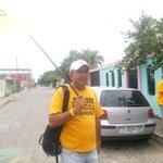 Nuestros dirigentes @ostos27 y Jesús Pinto! CasaxCasa Barrio El Molino! #Barinas http://t.co/qN85uIUaBv