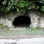 dengar cerita dalam gua ni ada seorang menteri belia dan sukan sedang berehat dihujung minggu. #GGMU http://t.co/v1ATim3Wpi