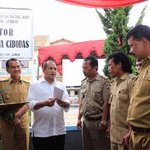 Menteri Marwan Salut, Desa Cibodas Gotong Royong Bangun BUMDes http://t.co/FYQiVSuX3D @marwan_jafar @KabarDesaku http://t.co/qeNuOvj2HI