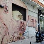 Sin Sohos, sin telediarios, sin proyectos financiados por la UE, sin comisarios de arte... en calle Ballesta #Madrid http://t.co/3krKt3rOOx