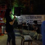 "mana yg pd goyang dangdut min @BluesTroopsBPN: Hallo de @DwikiPrwngtyas yuk goyang :p #EventKaraokeBox #GudangGaram http://t.co/ArPUWEp78Z"""