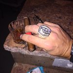 My celebration cigar and a drink to reflect on being a champion congrats @SFGiants and @SFGiantsFans http://t.co/3bB6HTdfig
