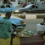 100RT:【こわい】発症から24時間以内に命を奪う「謎の病気」 ナイジェリアで18人が犠牲に http://t.co/9BFbtHF7OL 検体検査ではエボラウイルスやその他のウイルスは検出されていないという。 http://t.co/seKdRKPMtD