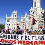 """""""No es un tratado, es un golpe de estado"""" http://t.co/lcBPYDyBU1 #OccupyTTIP #L6Nrato #L6Njuezgarzón #L6Ncallerivera http://t.co/GzXnF0UQPD"""