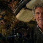 """Nuevo trailer de """"La Guerra de las Galaxias"""" causa sensación en internet http://t.co/oRFu59tjm3 #PorSiNoLaHanVisto http://t.co/zU2sC7W7kt"""