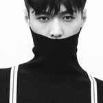 War breaks out among EXO-Ls over Lay's absence from Korean schedules -- http://t.co/iib2lqp5I6 http://t.co/vtU8V1DvEm