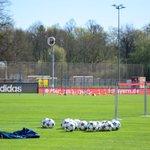 Entrenamiento en Säbener: hora de pensar en la @ChampionsLeague! ⚽🆑 #FCBFCP http://t.co/rK0aaK8vkC