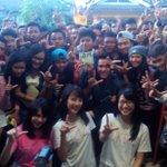 [PHOTO] Thank you @dradiolampung & fans @officialJKT48 !! | @bebyJKT48 @shaniaJKT48 @M_GraceJKT48 http://t.co/UlZx1exI1K
