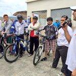 #Loja: @curaramon, coordinador de @Salud_CZ7, resalta la importancia de usar bicicletas. http://t.co/DBtJwO7VTR