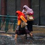 En Puerto Montt han caído 65.7 mm.  Sistema frontal podría llegar este domingo a la RM. » http://t.co/MoZIm8Tb85 http://t.co/9nW2kAr0uz