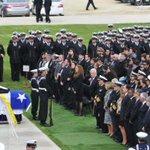 [Fotos] La misa fúnebre del marino que falleció en Haití http://t.co/vpOGYJtUsR http://t.co/X1Q4lZhOu5