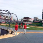 Breezy/warm @Nationals Park today. Local greats being inducted into DC Sports Hall of Fame on field. On @wusa9 at630p http://t.co/kz31xHaWfm