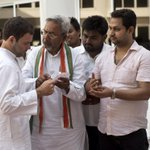 Rahul Gandhi and Priyanka Gandhi interacting with farmers from Amethi at Jawahar Bhawan today http://t.co/86Y3xXN0fw