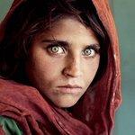 Niña Afgana: Esta es la verdadera historia tras la fotografía más icónica del mundo http://t.co/h9w94VQPdg http://t.co/IgdST6V84g