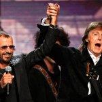 Ringo Starr toca con McCartney en su ingreso al Salón de la Fama→http://t.co/xgdgBmDlvq http://t.co/cILTzjesIn