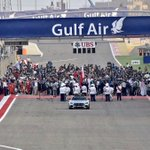Nice view of the grid from Turn 1... 15 mins to go #F1 #BahrainGP http://t.co/na4Nv3xSsI