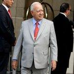 """Edmundo Pérez Yoma considera """"absudo"""" postergar un cambio de gabinete. http://t.co/mYQTxmcZzq http://t.co/2TEmNPi7ak"""