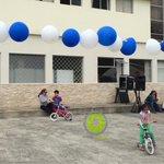 """@Salud_CZ7 se suma a la celebración del #DíaMundialDeLaBicicleta con la inauguración de un parqueadero de """"bicis"""". http://t.co/29JVJKAG0i"""