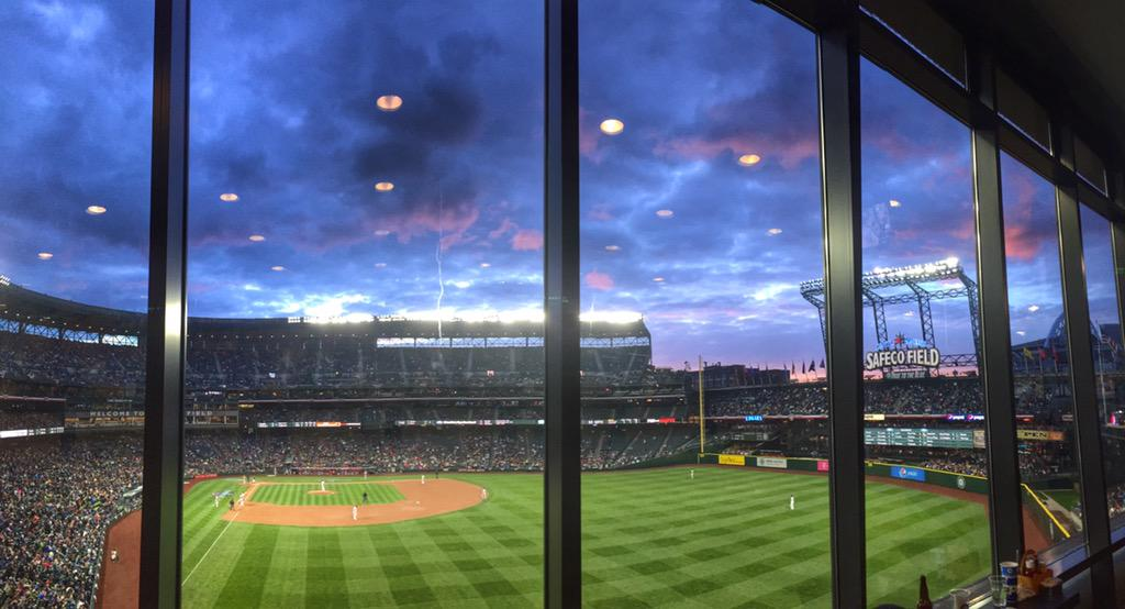 Great night out at Safeco Field for the @Mariners game. #Seattle http://t.co/eORqHocoox
