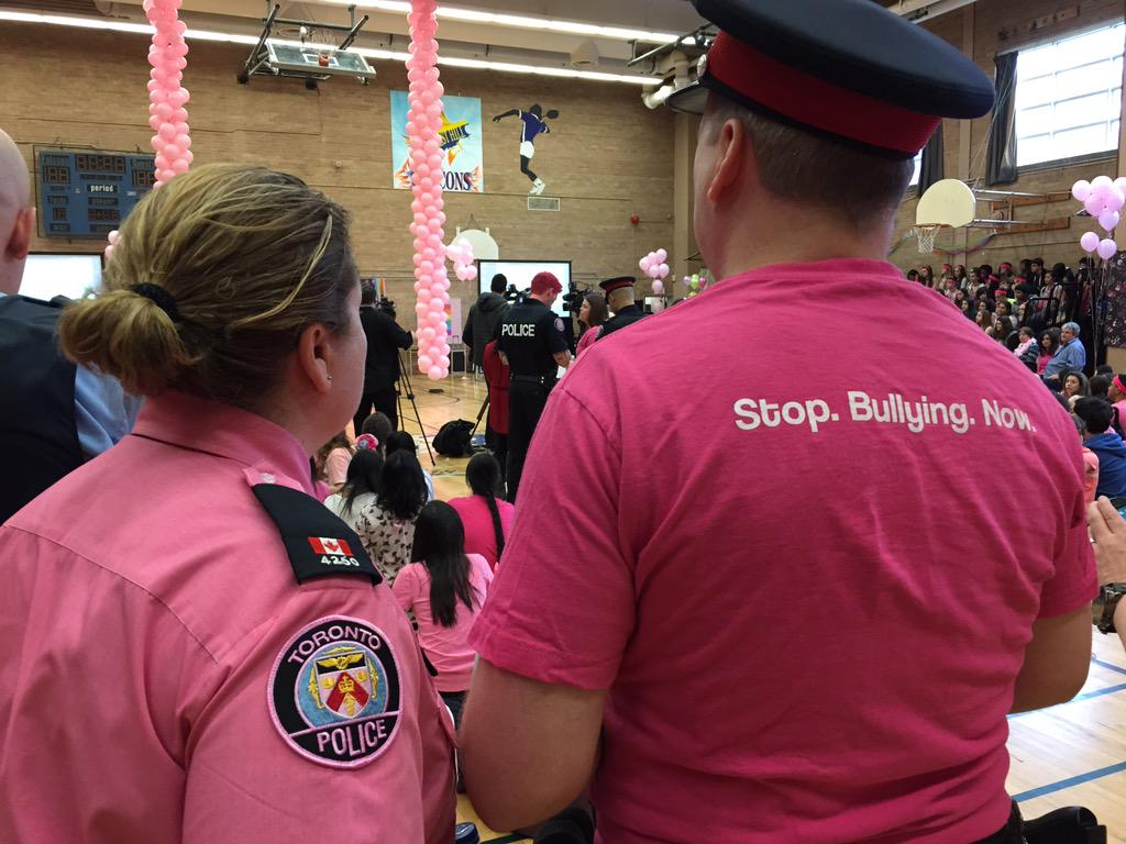 Charlsie Agro (@CBCharlsie): Great turnout here for @tdsb #PinkDay2015 with @TorontoPolice #CBCTO http://t.co/it8FW4P6P1