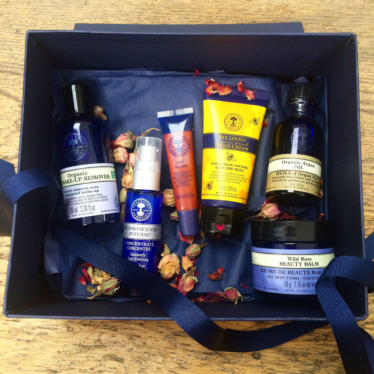 Happy Birthday NYR Organic who turns 6! Celebrate with us & RT and follow by midnight to win this gift! #NYROturns6 http://t.co/swCmfBhgP4
