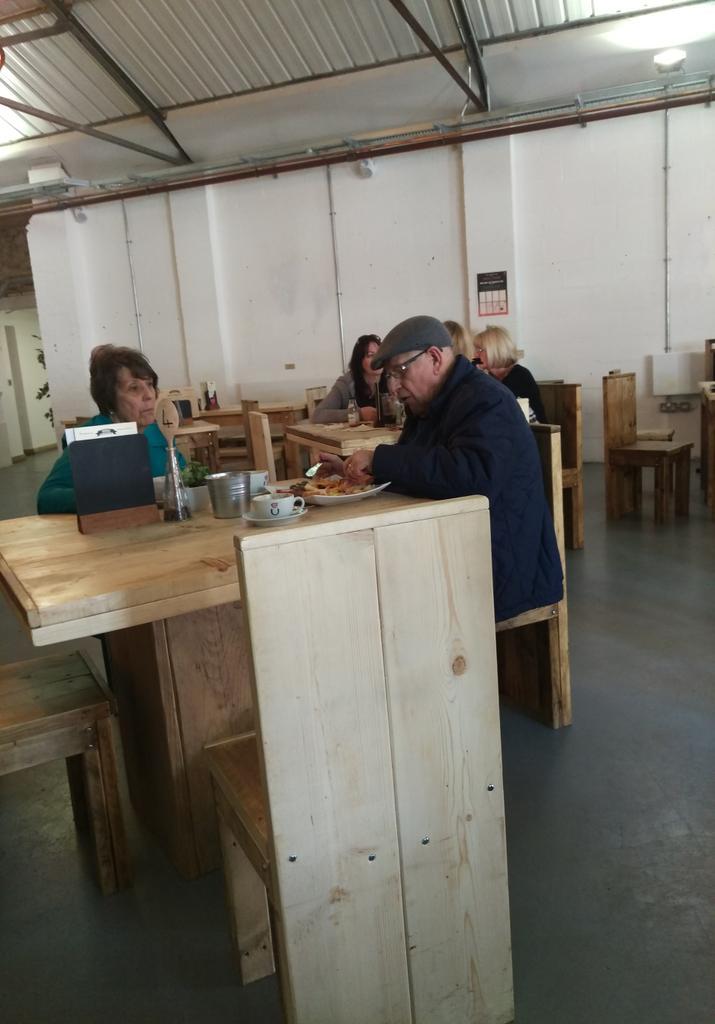 It's Gogglebox in @urbancoffeeco @FargoVillage !! http://t.co/fjz0Kqqxzd