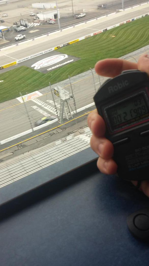 Snapped this picture of @AJDinger crossing the line in sync with stop watch. http://t.co/PWjPEvWJDa