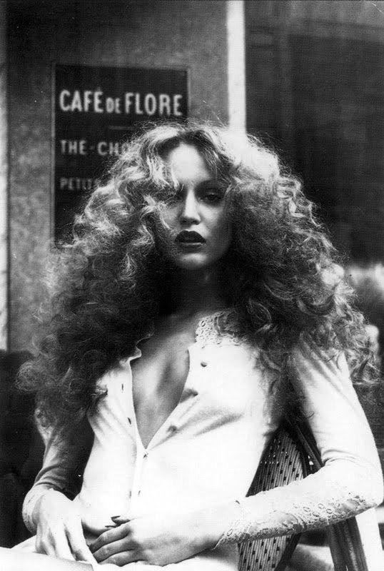 Jerry Hall, Paris, 1970s. http://t.co/lxMY7cNXaj