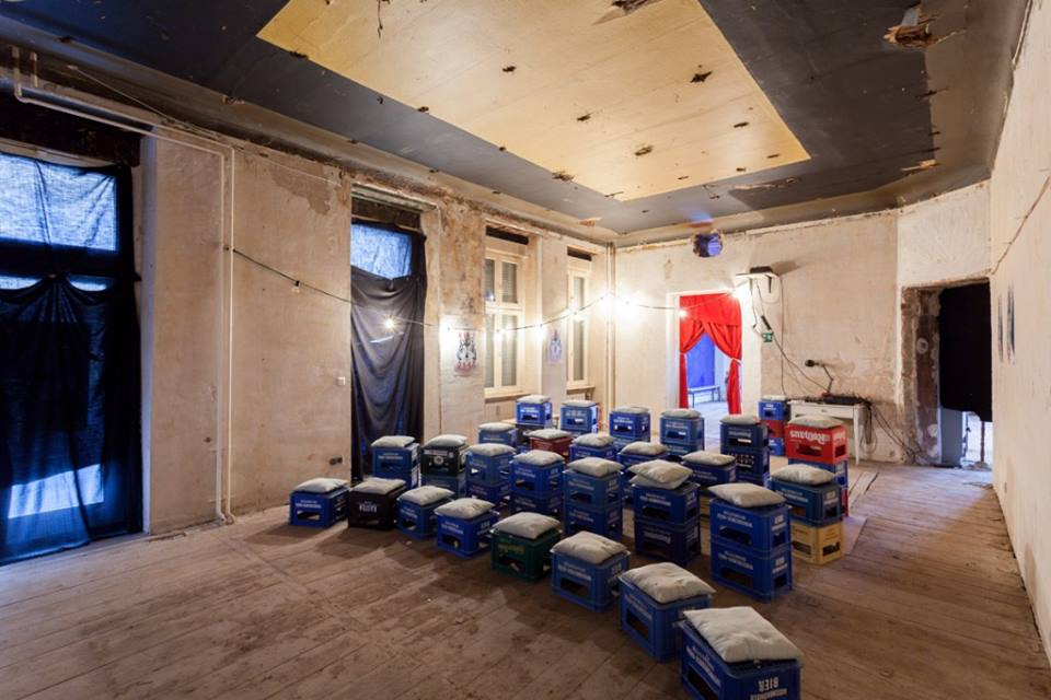 From smokey squats to indie favorites, here's our top 9 secret #cinemas in #Berlin: http://t.co/Rzsl5QgQ44 #kino http://t.co/SVIFz8PegI