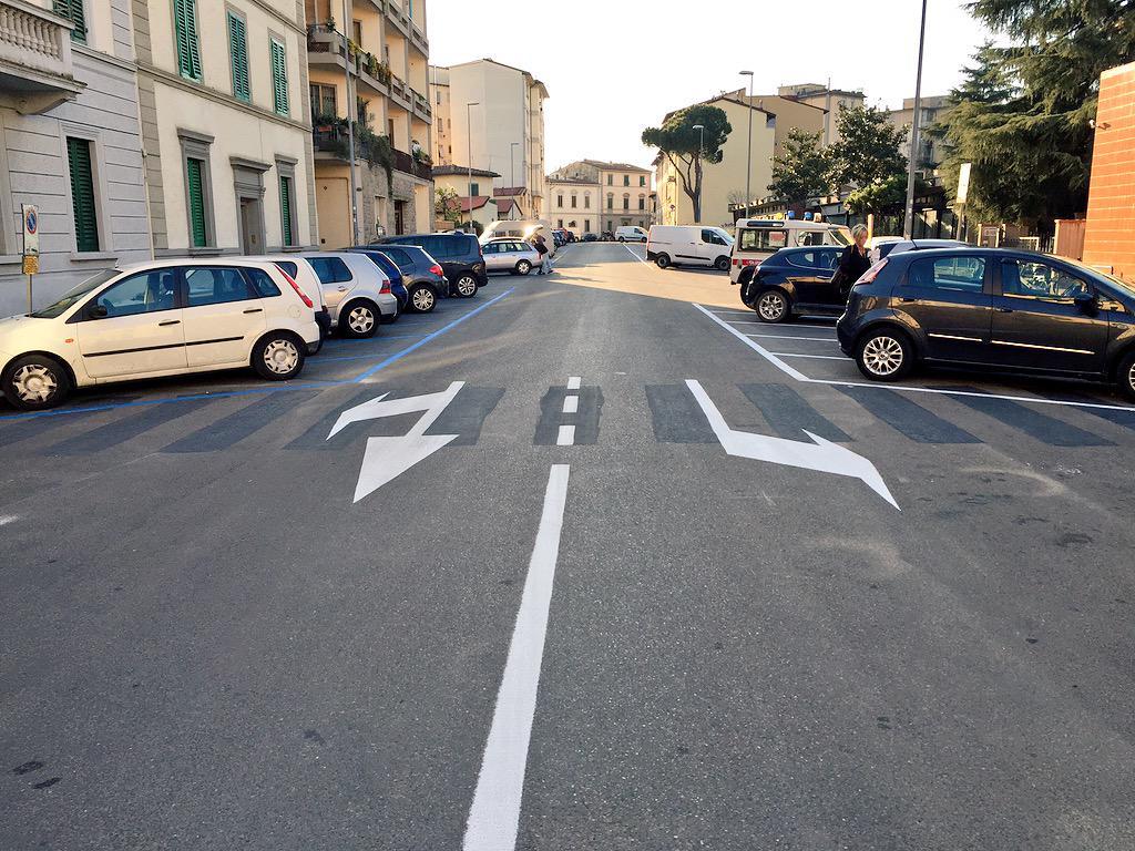 """RT @ferraro_filippo: #Tramvia #Linea3 Cantiere C: via Galluzzi a senso unico nel tratto Corridoni-Palazzo Bruciato. http://t.co/ylJgfcaB9N<a target=""""_blank"""" href=""""http://t.co/ylJgfcaB9N""""><br><b>Vai a Twitter<b></a>"""