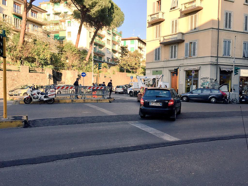 "RT @ferraro_filippo: #Tramvia #Linea3 Cantiere C: incrocio Vittorio Emanuele-Tavanti http://t.co/YNBg61V502<a target=""_blank"" href=""http://t.co/YNBg61V502""><br><b>Vai a Twitter<b></a>"