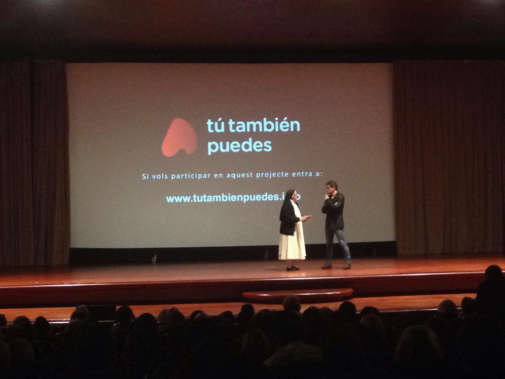Juntos contra la #pobrezainfantil.Eso es lo que pretente el #tútambiénpuedes hoy con @Fuentes_Manel y @sorluciacaram http://t.co/LAcptPITu5