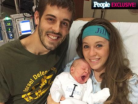 Aww! Derick Dillard is already an amazing dad to baby Israel 19Kids @TLC