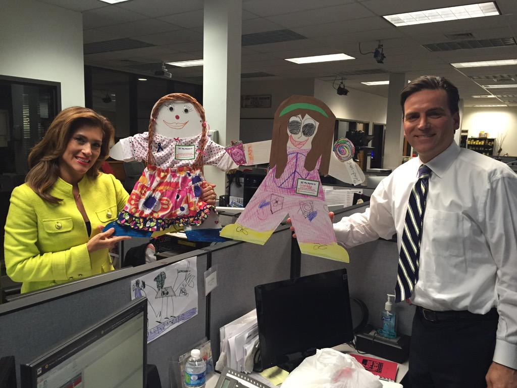 RT @KENS5: We snapped a picture of @SarahLucero and @jeff_goldblatt with their #CardboardKidsSA! Meet Kensie (L) and Carddy (R)! http://t.co/KWHLkEUGxt