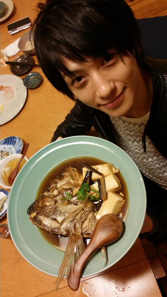 @hiroki_0604 第2期の門出を祝して、光圀公に鯛のお頭を献上いたしました! http://t.co/qQZqNMhnVK