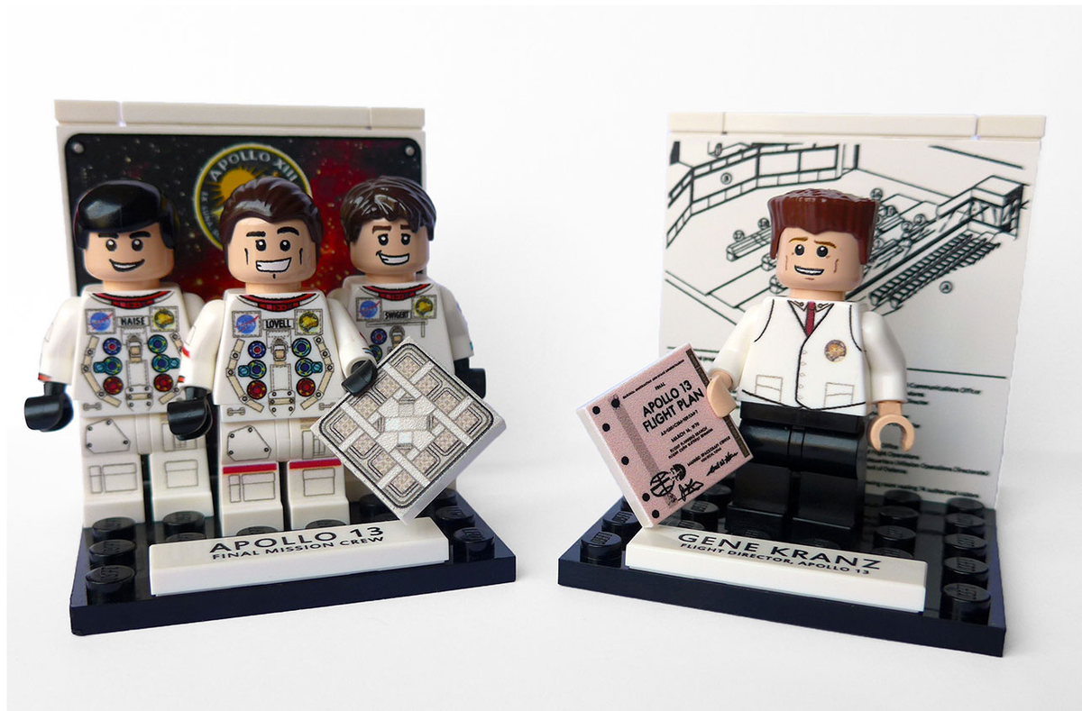Apollo 13 minifigs (read: Lego Gene Kranz, complete w/vest.) Yep, must have. via @collectSPACE http://t.co/QPFq6wXkE8 http://t.co/OTeTUYBXoL