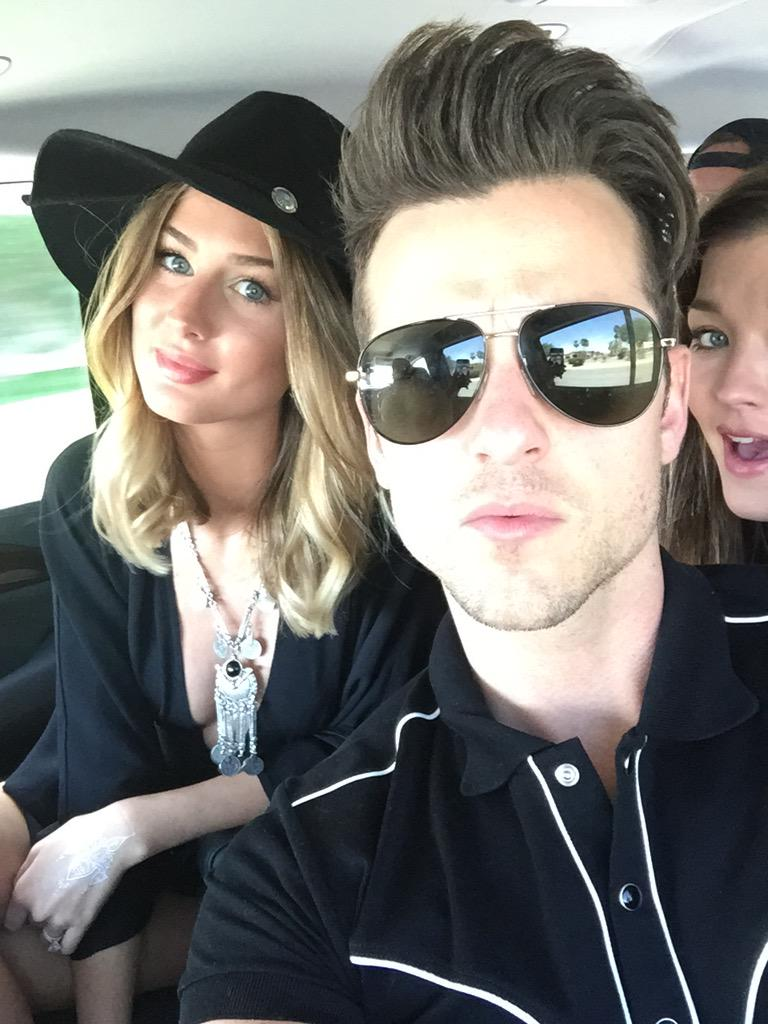 My sexy pals @youngfollowill @MarthaKatee just texted me this selfie in route to #chella now I know what #FOMO is. http://t.co/hyhxhwxNdu