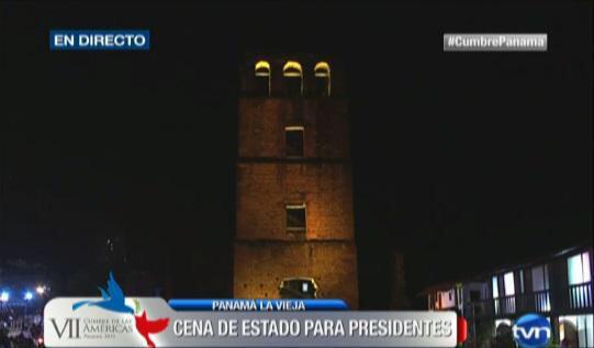 Porfa alguien de @CNNEE q le explique a @oppenheimera que esta torre tampoco se hizo gracias a un chamo!!! #porsiaca http://t.co/AWbKq2SAPz