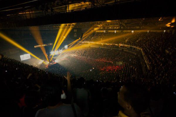 I love Manila!! Incredible first night of #NoOtherName Asia Tour.. Singapore then Kuala Lumpur next! http://t.co/9z4T8v1fY3