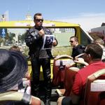 RT @TheArnoldFans: Badass! @Schwarzenegger asking a tour group,
