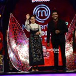 RT @Bollywoodthree: @kangna_ranaut , @ActorMadhavan on the sets of Master Chef  http://t.co/Uf4ziITlqV http://t.co/zYemQyCrHm