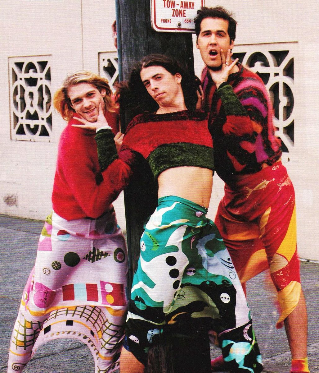 """""""I like to wear dresses because they're comfortable. Men wearing dresses isn't controversial."""" - Kurt Cobain. http://t.co/cC0y68s2Rq"""