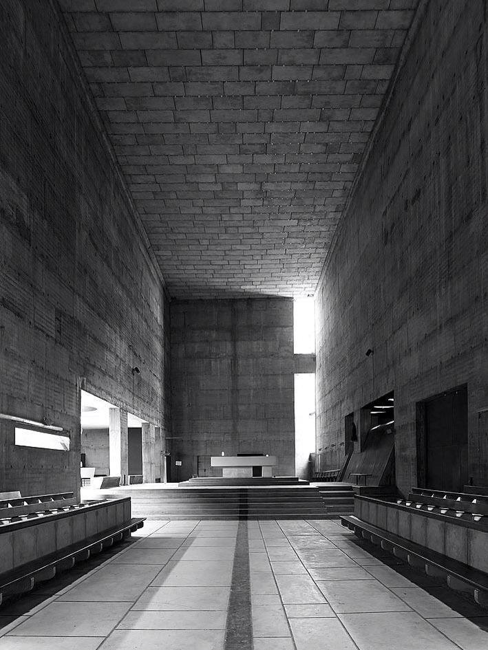 Cuando la luz construye el espacio #sagrado Couvent de la Tourette (1960), Le Corbusier #architecture #archilovers http://t.co/8qpeQ39Wwi