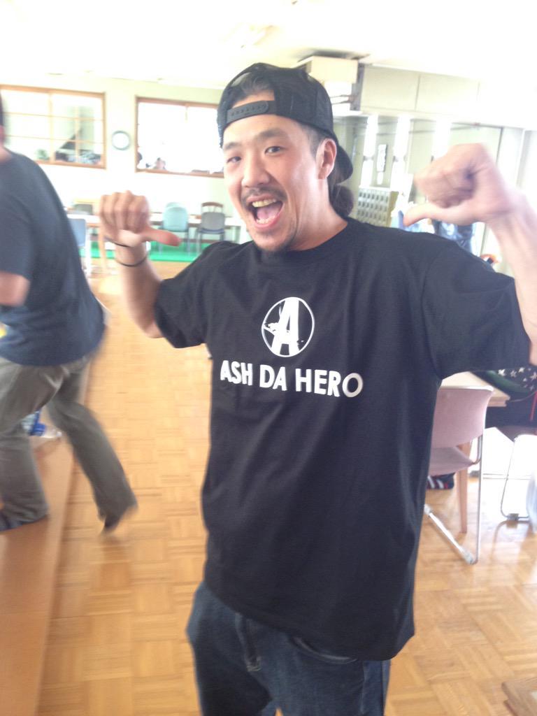 @Tumapai: ながちゃんさんは、現代に生きる侍。ASH DA HERO。皆の心の中にある激ロック魂。 http://t.co/KoEwaJiR2n http://t.co/DXY9jkYKFI