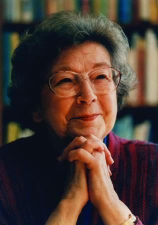 Happy 99th Birthday, Beverly Cleary! #DEAR #DEARday http://t.co/7jjLQFWt5U