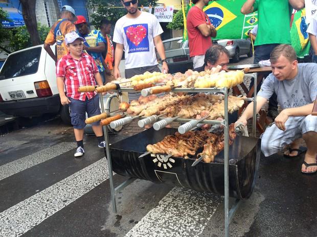 Com samba e coxinha assada, Porto Alegre tem ato contra impeachment http://t.co/qJ0ia5wrXn http://t.co/IBmB93Ulhc